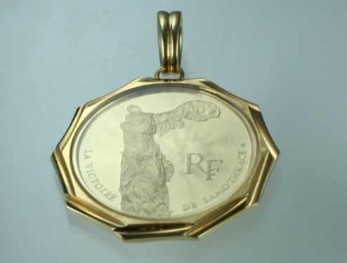 サモトラケのニケ 100フランルーブル美術館記念金貨 ページ最下部